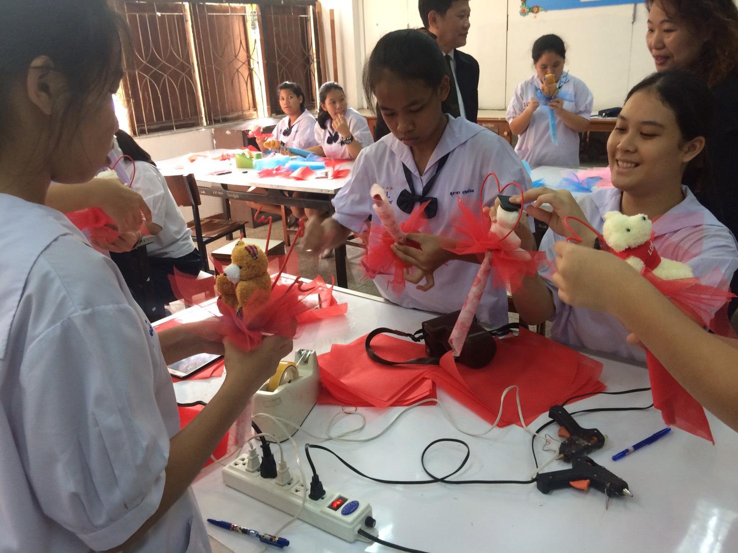 กิจกรรมโครงการเตรียมความพร้อมแก่กำลังแรงงาน ณ โรงเรียนสายน้ำผึ้งในพระอุปถัมภ์ฯ