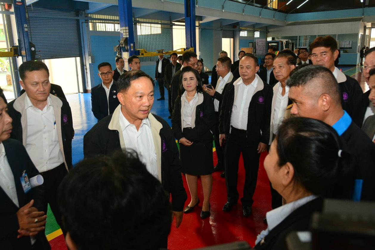 รมว.แรงงาน ตรวจความพร้อมเปิดศูนย์ EEC ที่ชลบุรี