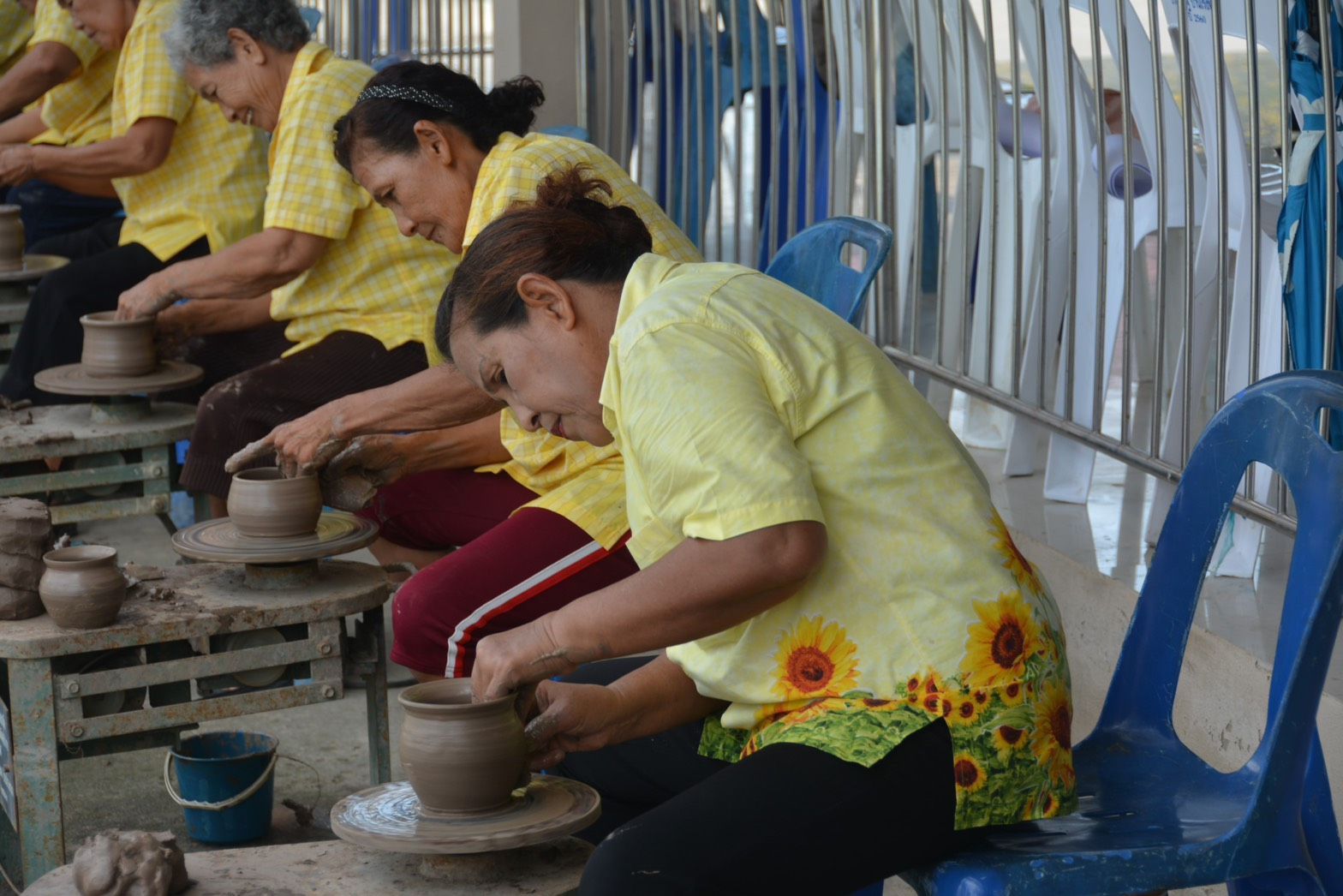 อธิบดีกรมการจัดหางาน บันทึกเทปรายการเดินหน้าประเทศไทย ส่งเสริมอาชีพแรงงานนอกระบบ