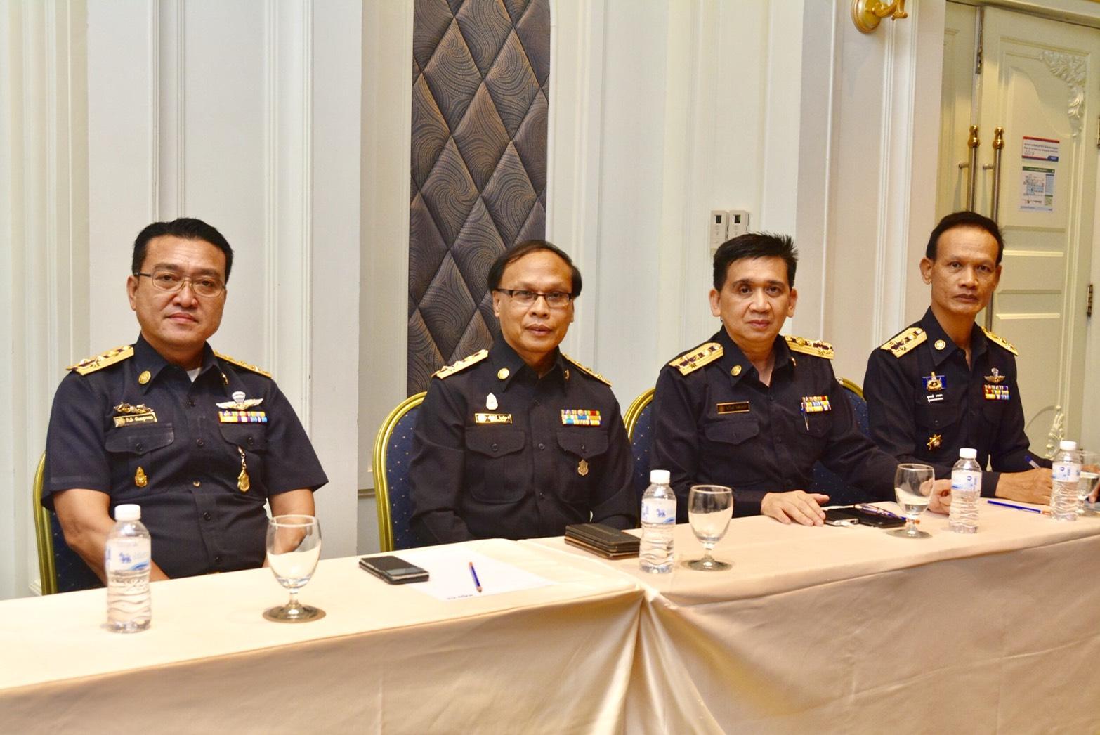 ประชุมมอบนโยบายและชี้แจงแนวทางการปฏิบัติงานด้านการตรวจสอบ ปราบปราม จับกุม และดำเนินคดีคนต่างด้าวลักลอบทำงานโดยไม่ได้รับอนุญาต ณ ศูนย์การประชุมอิมแพ็คเมืองทองธานี จังหวัดนนทบุรี
