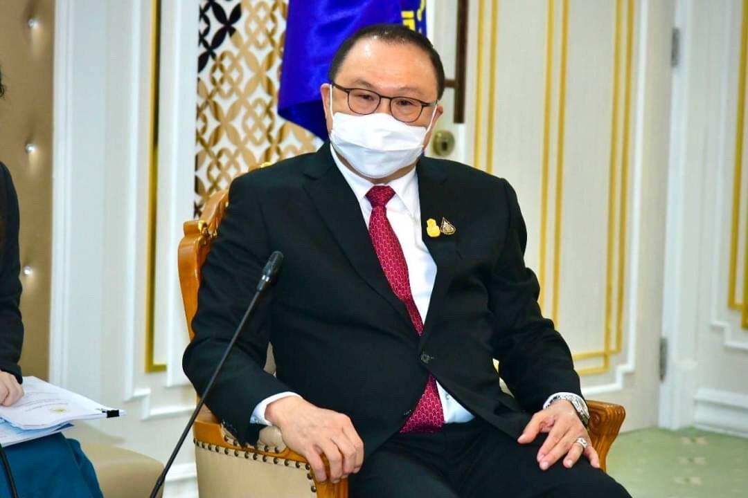 นายสุรชัย ชัยตระกูลทอง ผู้ช่วยรัฐมนตรีประจำกระทรวงแรงงาน ให้การต้อนรับ Mr. TAKETANI Atsushi ประธานองค์การส่งเสริมการค้าต่างประเทศของญี่ปุ่น ประจำกรุงเทพฯ (JETRO Bangkok) และคณะ ในโอกาสเข้าพบ