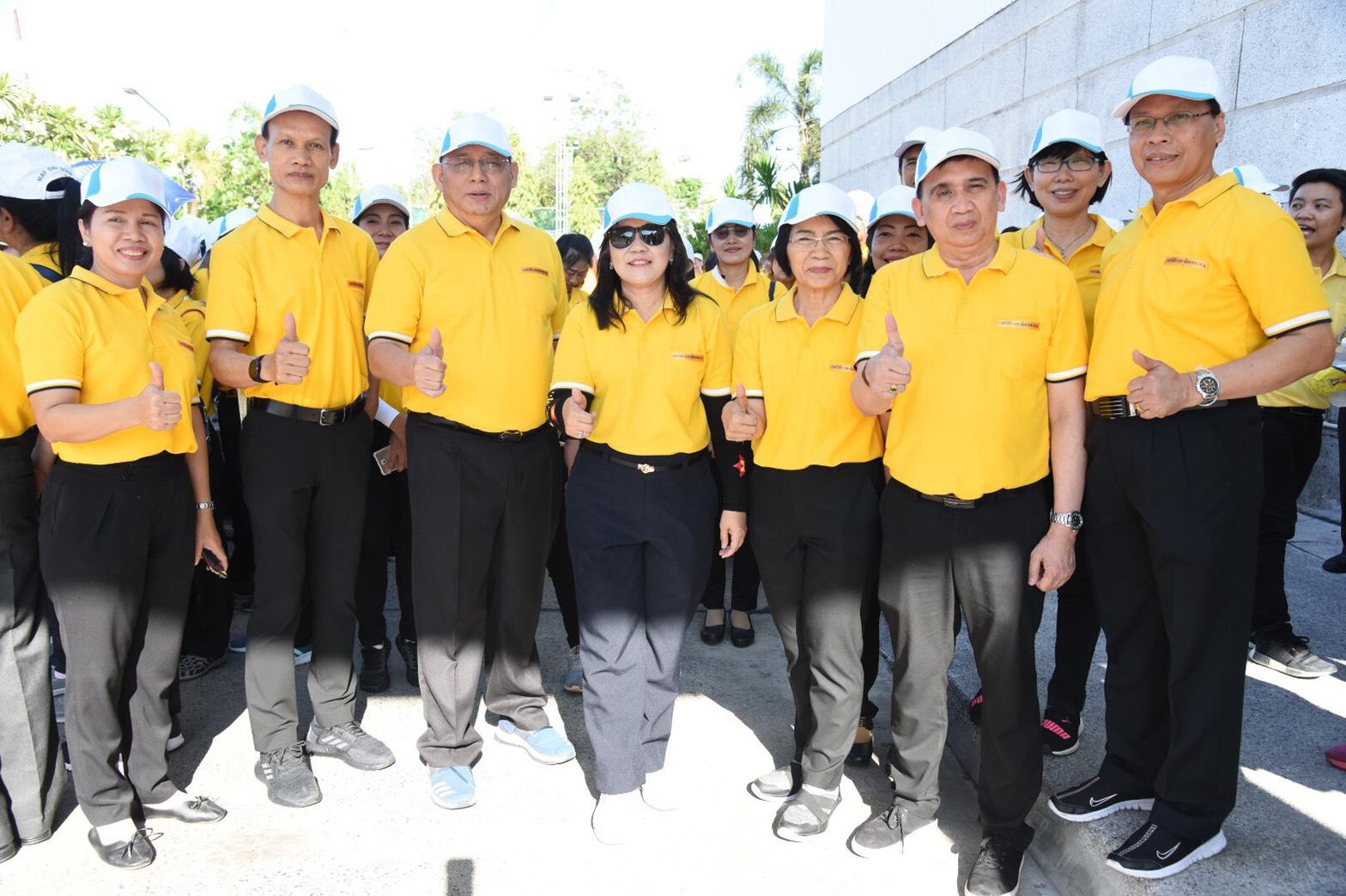 ผู้บริหารกรมการจัดหางาน ร่วมพิธีสงฆ์พร้อมร่วมริ้วขบวนกระทรวงแรงงาน เนื่องในวันแรงงานแห่งชาติ ปี 2562