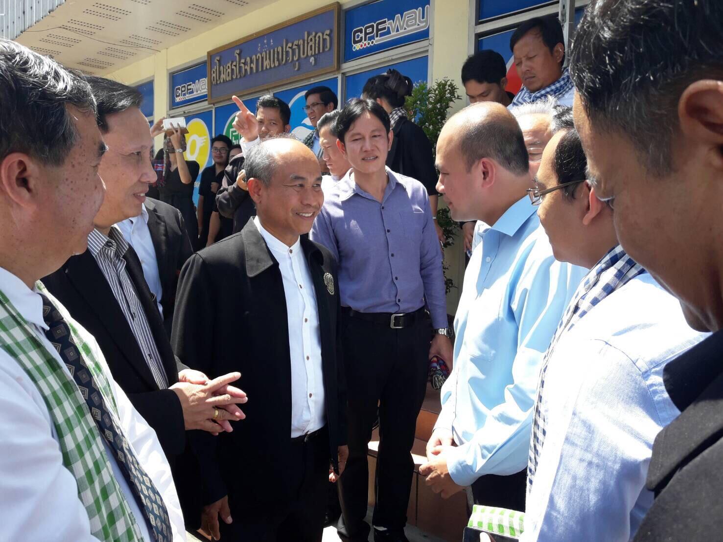 สมาชิกสภาแห่งชาติกัมพูชาและคณะ เยี่ยมเยียนแรงงานกัมพูชาที่จังหวัดฉะเชิงเทรา