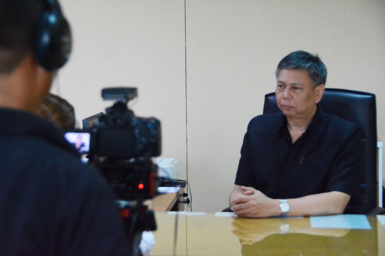 """นายวรานนท์ ปีติวรรณ อธิบดีกรมการจัดหางาน  ให้สัมภาษณ์ผู้สื่อข่าวประเด็น """"การจัดระเบียบแรงงานต่างด้าวในประเทศไทย"""" เพื่อออกอากาศในรายการ """"ASEAN Connect"""" ทางสถานีโทรทัศน์ NBT WORLD"""