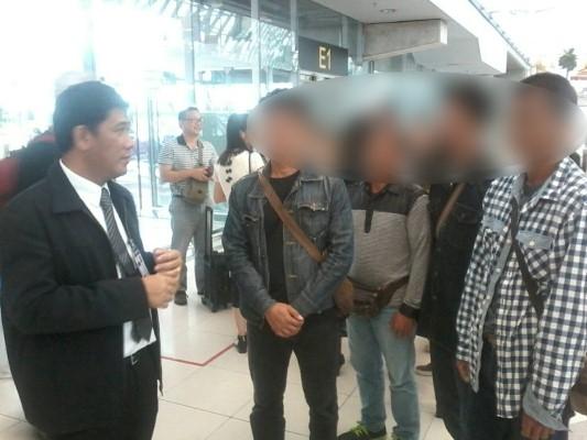 6 คนหางานที่ถูกหลอกไปทำงานที่ลิเบียเดินทางกลับถึงไทยแล้ว และต้องการไปร้องทุกข์ที่จังหวัดนครพนม