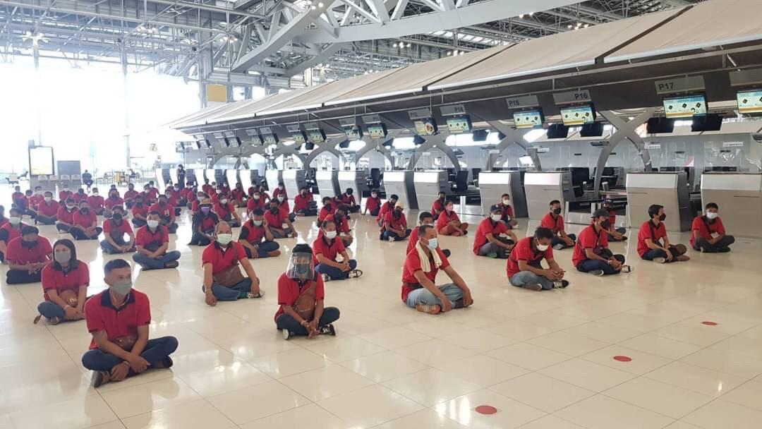 นายไพโรจน์ โชติกเสถียร อธิบดีกรมการจัดหางาน  ตรวจเยี่ยมพร้อมให้กำลังใจแรงงานไทย จำนวน 384  คน ก่อนเดินทางไปทำงานเก็บผลไม้ป่า และเดินทางไปทำงานในตำแหน่งคนงานตามฤดูกาล (Seasonal Work) ในประเทศฟินแลนด์ และประเทศสวีเดน  ณ ท่าอากาศยานนานาชาติสุวรรณภูมิ  จังหวั