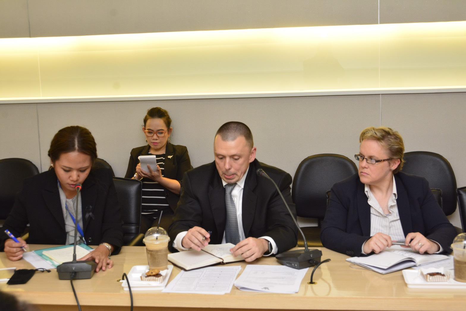 นายวรานนท์ ปีติวรรณ อธิบดีกรมการจัดหางาน หารือร่วมกับองค์การระหว่างประเทศเพื่อการโยกย้ายถิ่นฐาน (International Organization for Migration : IOM) เกี่ยวกับแนวทางการจัดส่งแรงงานแบบ G to G ณ หัองประชุมตรีเทพ 2 ชั้น 14 กรมการจัดหางาน