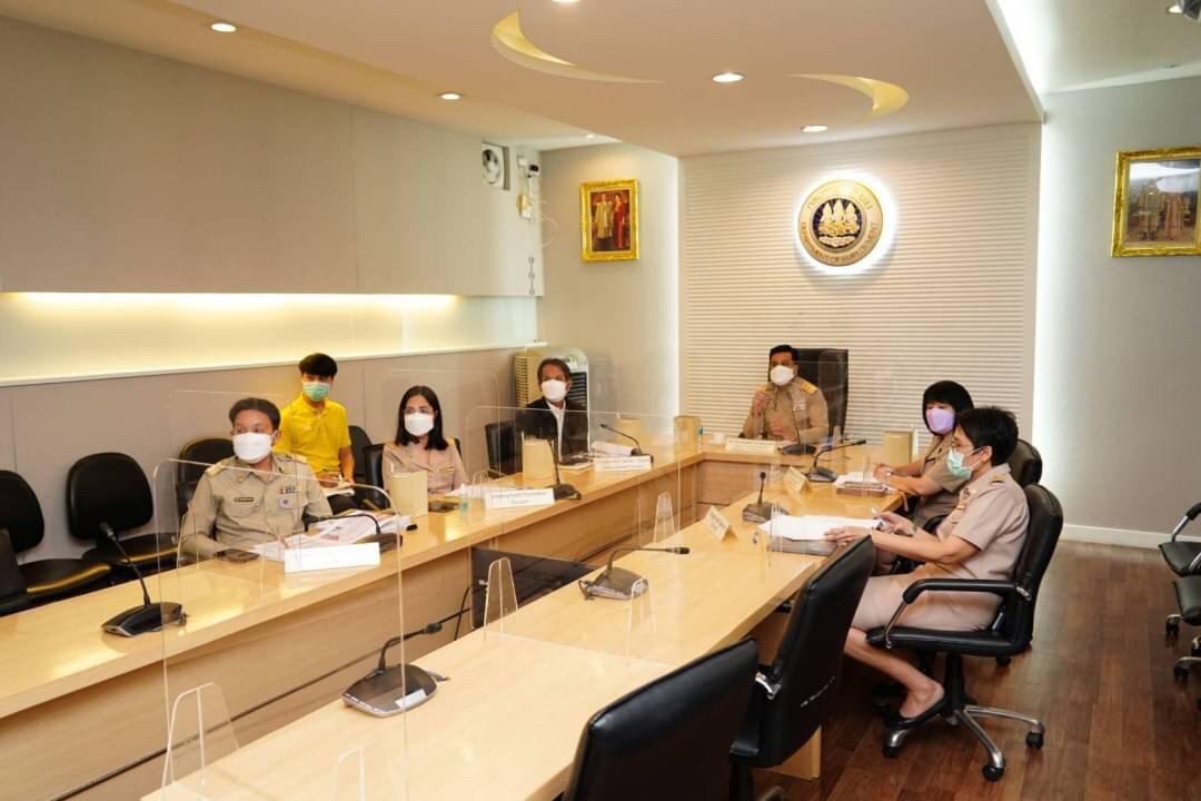 การสัมมนา พร้อมร่วมอภิปราย เรื่อง การจ้างงานในประเทศไทย : ผลกระทบของวิกฤตโควิด – 19 และการถอดบทเรียนเพื่อการฟื้นฟูที่เน้นคนเป็นศูนย์กลาง ผ่านระบบ Video Conference