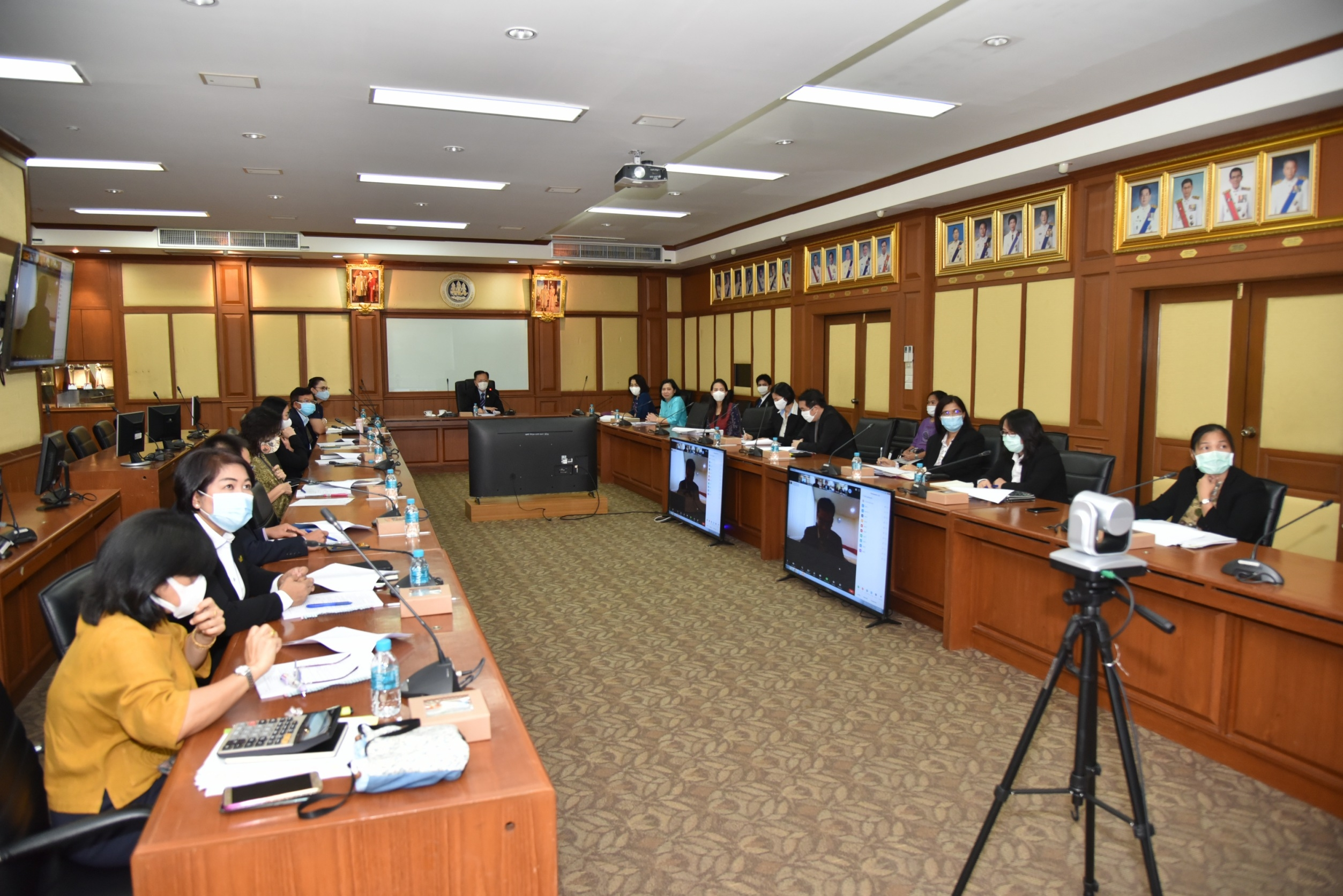 กรมการจัดหางาน  จัดประชุมคณะกรรมการกลั่นกรองการประเมินผลการปฏิบัติราชการฯ