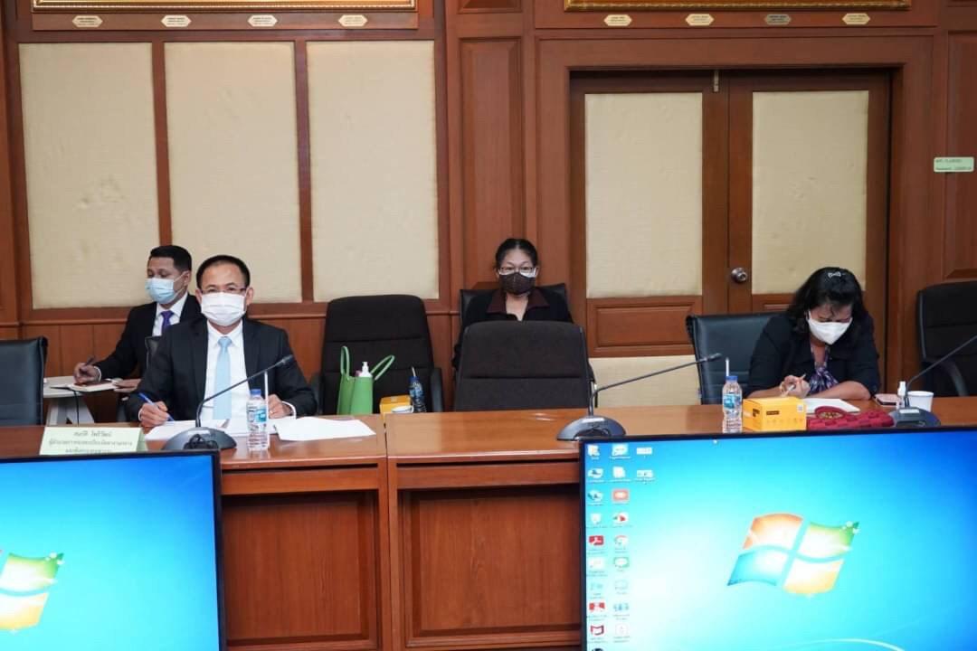 รองปลัดกระทรวงแรงงาน รักษาราชการแทนอธิบดีกรมการจัดหางาน ประชุมหารือเกี่ยวกับปัญหาการจัดส่งแรงงานไทยไปทำงานต่างประเทศ