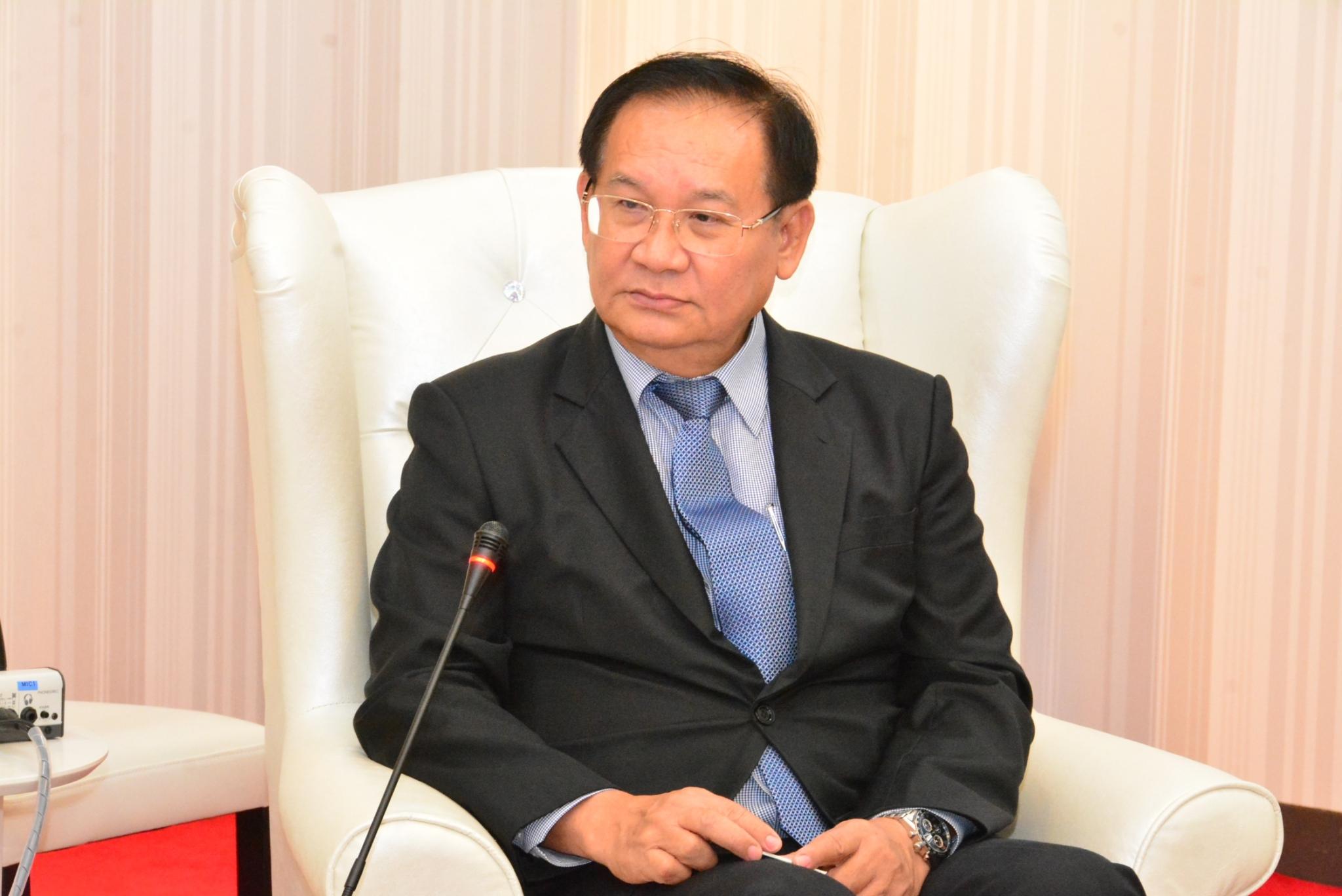 นายชินคิชิ อิโตะ ประธานสภาหอการค้าและอุตสาหกรรมเมืองโมริเยี่ยมคารวะอธิบดีกรมการจัดหางาน